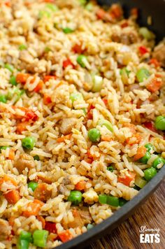 Slimming Better than takeout Low Syn Chicken Fried Rice - satisfy your cravings with this ready in less than 20 minutes dish! - Better than takeout Low Syn Chicken Fried Rice - satisfy your cravings with this ready in less than 20 minutes dish! Slimming World Desserts, Slimming World Dinners, Slimming World Chicken Recipes, Slimming World Diet, Slimming Eats, Slimming Recipes, Slimming World Chicken Fried Rice, Slimming World Recipes Extra Easy, Chicken Fried Rice Recipe Easy