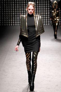 Gareth Pugh Fall 2011 Ready-to-Wear Fashion Show - Renee Germaine van Seggern (NATHALIE)