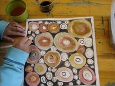 Tree rings in neutral colors-- gems and minerals, too