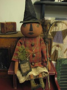 My collection - pRiMitiVe fOlK aRt fAll haLloWeEn eLLa puMpKin wiTcH DoLL aNd gNarLy gRaPeViNe bRooM / nEw fOr fAll
