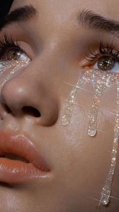 Makeup Photography Glitter Beauty 63 New Ideas The Effective Pictures We Offer You About Glitter girl A quality picture can tell you many things. You can find the most bea Boujee Aesthetic, Bad Girl Aesthetic, Aesthetic Collage, Aesthetic Makeup, Aesthetic Vintage, Aesthetic Pictures, Crying Aesthetic, Travel Aesthetic, Aesthetic Fashion
