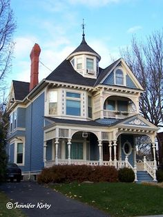 431 Ashland Ave, Saint Paul Built in 1890 by Ole Ask, this beautiful home is one of my favorites on Ashland. I am not sure if it is the perfect shade of blue Architecture Design, Victorian Architecture, Amazing Architecture, Classical Architecture, Historical Architecture, Beautiful Buildings, Beautiful Homes, Victorian Style Homes, Victorian Homes Exterior