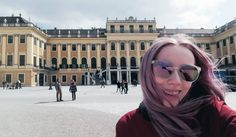 "226 To se mi líbí, 3 komentářů – Štěpánka Císařová (@stepanka.cisarova) na Instagramu: ""Schönbrunn & wind blowing my hair  #Vienna #Schönbrunn #Schloß #Austria #Vídeň #Wien #🇦🇹"""