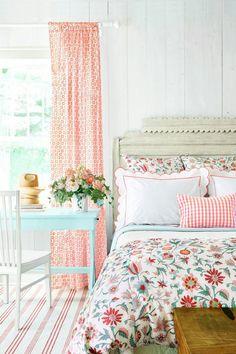 Home Decoration Living Room .Home Decoration Living Room Pretty Bedroom, Cozy Bedroom, Dream Bedroom, Home Decor Bedroom, Girls Bedroom, Bedroom Furniture, Furniture Layout, Modern Bedroom, Floral Bedroom Decor