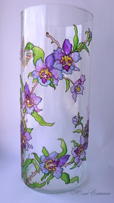 7 Fine Tips: Vases Ideas Winter vases centerpieces with tulle.Old Vases House vases verre vert. Stained Glass Patterns, Stained Glass Art, Bottle Painting, Bottle Art, Painted Glass Vases, Verre Design, Glass Painting Designs, Vase Crafts, Hand Painted Wine Glasses