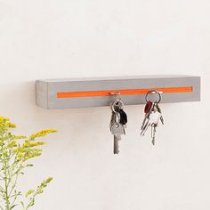 concrete with felt inlay orange Dimensions - Height: inch - Width: inch - Depth: inch - Weight: pound This key holder Wood Concrete, Concrete Furniture, Concrete Crafts, Concrete Projects, Concrete Design, Diy Furniture, Polished Concrete, Concrete Interiors, House