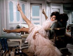 """ Sophia Loren photographed for Advertising Film ""Arabesque"" with costumes created by Marc Bohan for Christian Dior, "" Glamour Hollywoodien, Old Hollywood Glamour, Classic Hollywood, Catherine Deneuve, Sophia Loren, Brigitte Bardot, Films Cinema, Cinema Tv, Yves Saint Laurent Film"