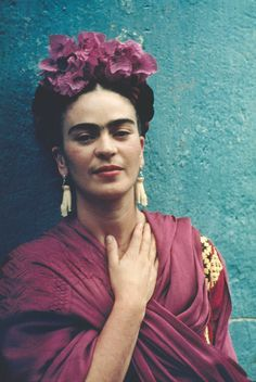 Frida Kahlo with Picasso Earrings, Coyoacán, 1939. Color giclee print, 48 x 33 cm. © Nickolas Muray Photo Archives