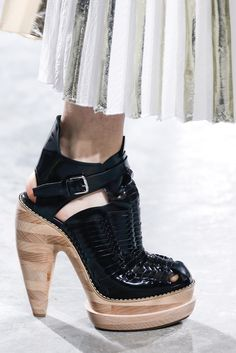 #NYFW Black leather chunky heel wooden platform sandals. Proenza Schouler, Ready-to-Wear Spring 2014. Photo: Gianni Pucci