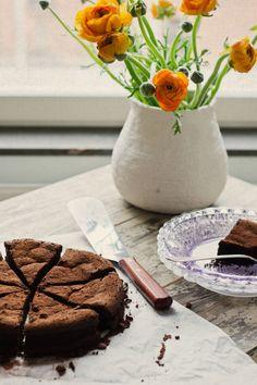Tarta de mousse de chocolate Choco Chocolate, Chocolate Delight, Delicious Chocolate, Chocolate Desserts, Quiches, Gula, Mousse Cake, Bakery Recipes, Great Desserts