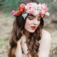 Boho Flower Crowns we love ~ Crooked Willow Farms #flowercrown #weddinghair
