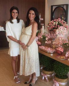 Com a mamãe do ano e gravidinha mais linda @mariabussade  Que delícia de tarde! #chadaHelena #babygirl #saturdays