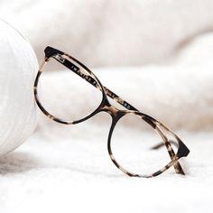 Women's Eyeglasses - Imagine in Blond Tort Glasses Frames Trendy, Glasses Trends, Fashion Eye Glasses, Accesorios Casual, New Glasses, Eyeglasses For Women, Eyewear, Specs, Celebrity Jewelry