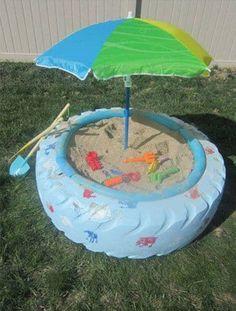 Fabriquer un bac à sable avec un pneu devient un jeu d'enfant
