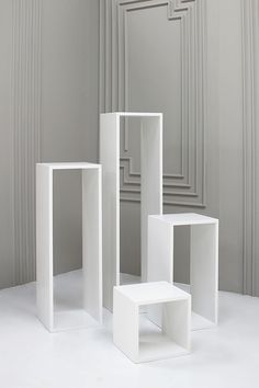 HOLLOW WOODEN PLINTHS - Display & Exhibition Plinths - PLINTHS.LONDON Visual Display, Display Design, Store Design, Display Ideas, Store Window Displays, Market Displays, Craft Stalls, Exhibition Display, Banquette