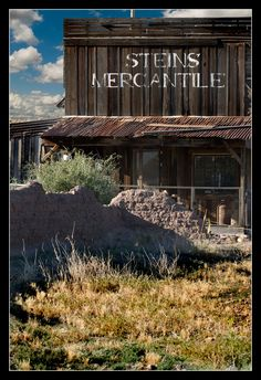 Ghost Town of Steins New Mexico, Steins Merchantile Store Old Buildings, Abandoned Buildings, Abandoned Places, New Mexico Style, New Mexico Usa, Ghost Towns Of America, Nevada, Utah, Arizona