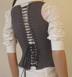 DIY corset Pattern and how to make this , free here.