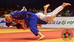 Pavia is into the final at Can she go all the way? Judo Throws, Aikido, All The Way, Finals, Basketball Court, Wrestling, Sports, Olympic Medals, Pictures