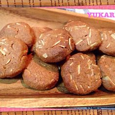 見た目は…ですが アーモンドパウダーと、アーモンドスライスをたっぷり入れて作りました さくさくでホロホロのクッキーです - 59件のもぐもぐ - さくさくホロホロのアーモンドクッキー by ゆかり