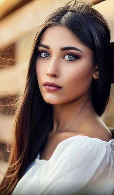 Natural soft makeup idea
