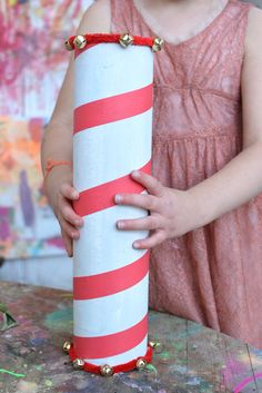 It'sChristmas Sensory Series time again and this week we are focusing on SOUND! I'm so excited to share these super fun kid-centric jingle bell noise makers! Gigi and I had so much fun making these together. After last week's santa binoculars, which were definitely more on the crafty side, it's nice to share something a(...)