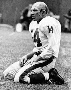 Y. A. Tittle  The road to the NFL Hall of Fame was not an easy for 4f1f33042