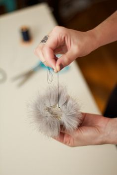 """Search for """"Pom pom bunnies"""" - WonderfulDIY How To Make A Pom Pom, How To Make Bows, Sewing Crafts, Sewing Projects, Projects To Try, Fur Accessories, Yarn Stash, Faux Fur Pom Pom, Fun Crafts"""