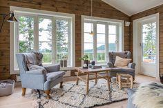Inspirasjon til hytta! Cabin Style Homes, Tiny House Cabin, Log Homes, Cabin Design, Cottage Design, House Design, Log Cabin Living, Modern Rustic Homes, Contemporary Cottage
