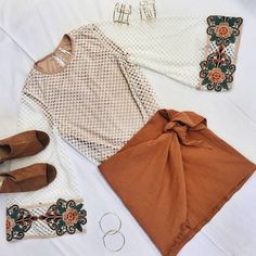 Statement sleeves and earthy tones  II The Vanilla Shake Top was $65 NOW $52 + Utopia Skirt in Rust was $59 NOW $47  Our End Of Year Sale has begun!! Everything on the site is discounted!! You heard me....EVERYTHING! SHOP NEW ARRIVALS --> www.muraboutique.com.au #muraboutique #flatlay #boho #sale