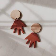Do It Yourself Discover Ideas Diy Clay, Clay Crafts, Ceramic Jewelry, Metal Jewelry, Geek Jewelry, Porcelain Jewelry, Jewellery, Gothic Jewelry, Jewelry Necklaces