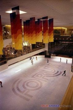 The Williams Center Forum ice skating rink.  Such a fun thing to do back in the 80's.  There was a Swensen's Ice Cream Parlor there (the BEST ice cream) and a delicious Magic Pan restaurant as well as many others.