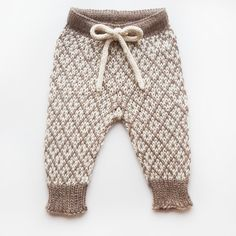Toddler Pants, Baby Pants, Kids Pants, Romper Pants, Baby Barn, Baby Knitting Patterns, Knitting Ideas, Kids And Parenting, Linnet