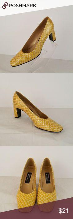 Stuart Weitzman women's chunky heel slip on pump Stuart Weitzman women's chunky heel slip on pump Shoes size 7.5 heel height 3 inches Stuart Weitzman Shoes Heels