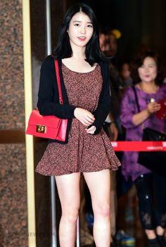 Iu Fashion, Asian Fashion, Korean Women, Korean Girl, Asian Hotties, Hot Dress, Beautiful Asian Women, Korean Actresses, Sexy Asian Girls