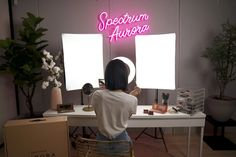 10 Benefits Of Using A Professional Softbox Studio Lighting Kit Studio Setup, Studio Lighting, Makeup Studio Decor, Softbox Lighting, White Poster Board, Bedroom Decor For Small Rooms, Beauty Studio, Diy Arts And Crafts, Fill Light