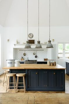 interior design / ideas / inspiration / industrial lights / kitchen / minimal / modern