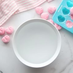 Make this DIY Bath Bomb recipe at home for fantastic bath bombs without the price tag. No need to pay crazy prices when Homemade Bath Bombs, Homemade Soap Recipes, Homemade Gifts, Diy Gifts, Recipe For Bath Bombs, Easy Bath Bomb Recipe, Diy Bath Salts, Diy Bath Bombs Easy, Making Bath Bombs
