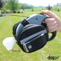 Doggo Retractable Leash Accessory Bag is a great way to carry poop bags and other essentials when out walking your dog.