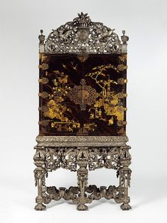 Cabinet on stand1690-1700 England, Britain