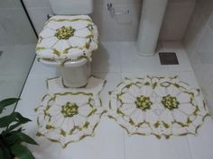 Jogo de Banheiro em crohê, flor camélia.