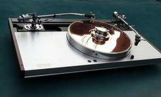 High end audio audiophile Luxman turntable