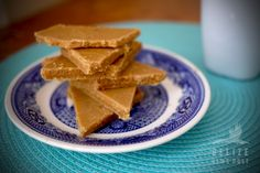 Melt-in-your-mouth creamy, sweet caramel fudge. Make your own sweets!
