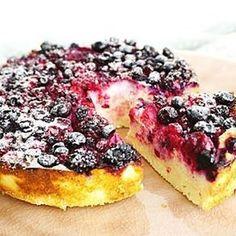 Koolhydraatarme #ricotta cake ik ben zó gek op ricotta... heerlijk romig, smeuïg en ook nog eens eiwitrijk. Voor deze tevens gluten- en suikervrije mini cake heb je maar een paar ingrediënten nodig. Recept nu online, link in bio #essiehealthylife - - #suikervrij #ricottacake #healthycake #glutenvrij #gezondrecept #fitgirlsnl #dutchfoodie #ontbijttaarr #fitdutchies #foodinspiration #fitfamnl #breakfastinspo #gezondeten #amandelmeel #steviala #eattherainbow #healthychoices #gezond #comf...