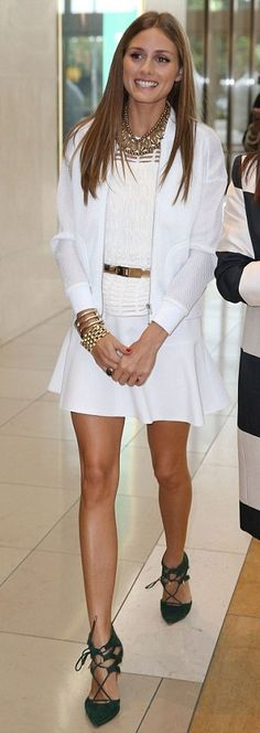 Olivia Palermo in white with statement accessories and green sandals    7      1