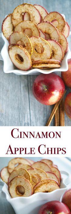 Ces Cinnamon d'Apple Chips, fait avec quelques ingrédients simples, sont une collation saine toute votre famille va adorer.