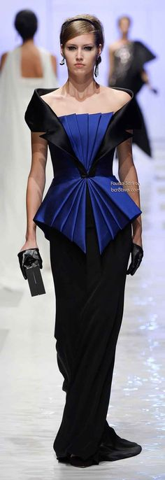 Fausto Sarli Fall Winter 2013-14 Haute Couture Love the colors and lines in this, but need more on the shoulder.