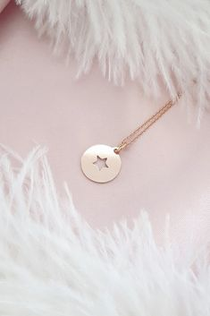 £17 • This beautiful dainty sterling silver rose gold plated necklace features our sterling silver rose gold plated star charm which symbolises hope, luck and guidance. Wear this necklace alone for minimal styling or layer with other lengths to create a stylish boho look. Coin Necklace, Star Necklace, Layered Jewelry, Gold Plated Necklace, Dainty Jewelry, Silver Roses, 18k Rose Gold, Rose Gold Plates, Necklace Lengths