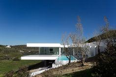 Villa Escarpa by Mario Martins | Archifan Blog