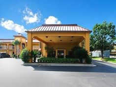 Mobile (AL) Comfort Inn Mobile United States, North America Comfort Inn Mobile is a popular choice amongst travelers in Mobile (AL), whether exploring or just passing through. The hotel has everything you need for a comfortable stay. To be found at the hotel are facilities for disabled guests, Wi-Fi in public areas, car park, meeting facilities, laundry service. Each guestroom is elegantly furnished and equipped with handy amenities. Access to the hotel's fitness center, outdo...