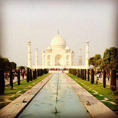 Uma sexta de boas lembranças e ótimas ideias #tajmahal #india #aroundtheworld #love #juliannafraccaro #travel